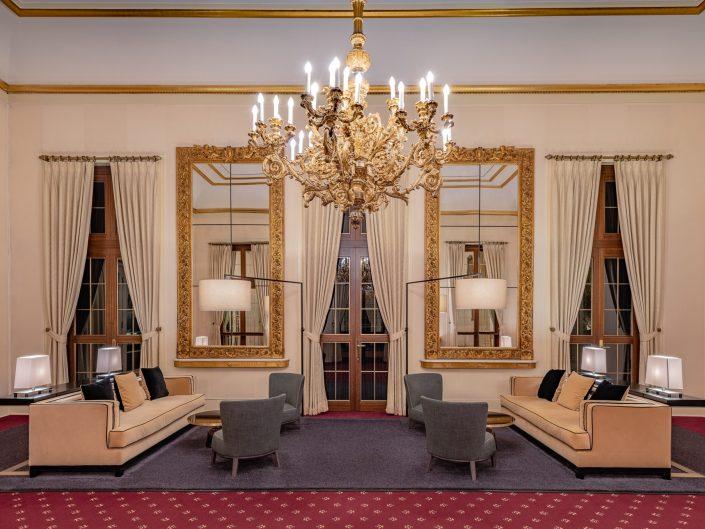 Lounge-Bereich im Österreichern Saal