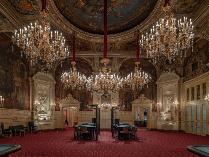 Interiorfotografie des Florentiner Saals mit Blick in den Wintergarten und Salon Pompadour
