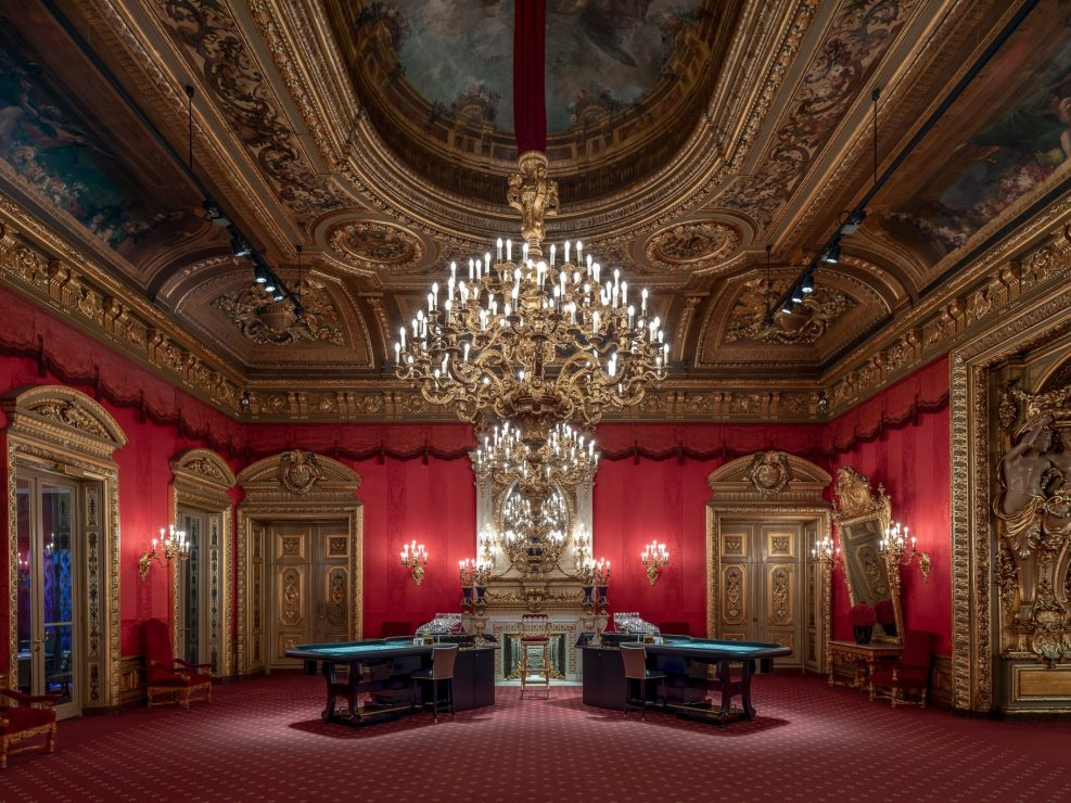 Auftragsarbeit für das Casino Baden-Baden. Innenaufnahme des Roten Saals.